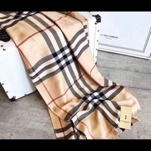 Burberry Scarf Plaid Cashmere New With Tags